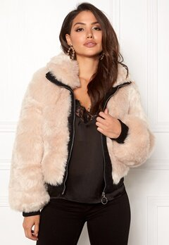 AMO Couture Amalfi Faux Fur Short Coat Soft Beige Bubbleroom.fi