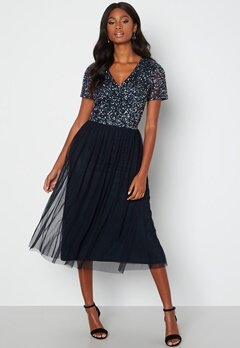 AngelEye Short Sleeve Sequin Embellished Midi Dress Navy bubbleroom.fi