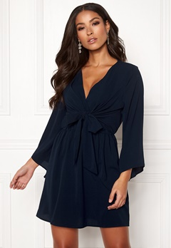AX Paris Tie Waist Deep V Dress Navy Bubbleroom.fi