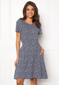 Boomerang Amira Printed Dress Midnight Blue Bubbleroom.fi