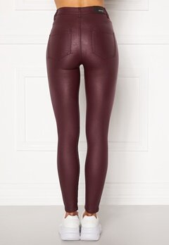 BUBBLEROOM Bianca coated jeans Red Bubbleroom.fi
