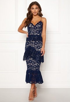 a16f7fae BUBBLEROOM Carolina Gynning flouncy lace dress Dark blue Bubbleroom.fi