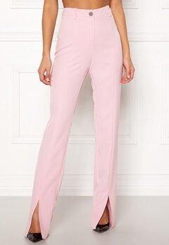 BUBBLEROOM Carolina Gynning Slitted trouser Light pink Bubbleroom.fi