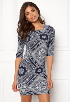 BUBBLEROOM Kecia dress White / Blue / Patterned Bubbleroom.fi