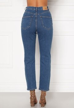 BUBBLEROOM Lana high waist jeans Medium blue Bubbleroom.fi