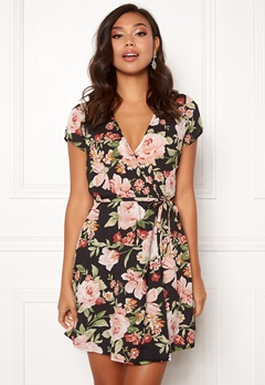 BUBBLEROOM Nadine wrap dress Black / Floral Bubbleroom.fi