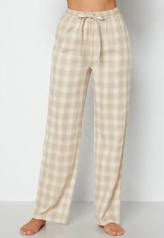 BUBBLEROOM Naya flannel pants Beige / White / Checked bubbleroom.fi