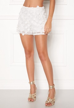 BUBBLEROOM Palma flower shorts White Bubbleroom.fi