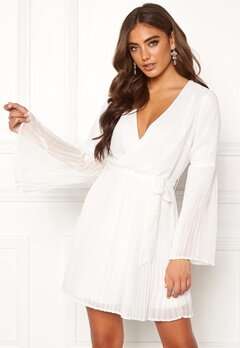 BUBBLEROOM Paulinn pleated dress White Bubbleroom.fi