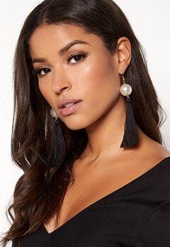 BUBBLEROOM Tassle pearl earrings Black Bubbleroom.fi