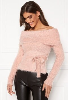 Chiara Forthi Beatricia furry offshoulder sweater Light pink Bubbleroom.fi