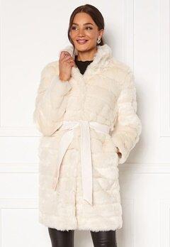 Chiara Forthi Bologna Faux Fur Coat Ivory white bubbleroom.fi