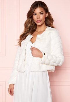 Chiara Forthi Diva short party faux fur Offwhite Bubbleroom.fi