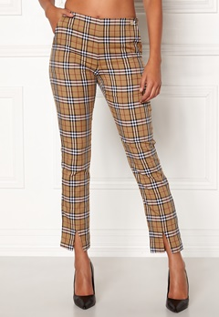 Chiara Forthi Franka woven sleek pants Checked / Beige / Red Bubbleroom.fi