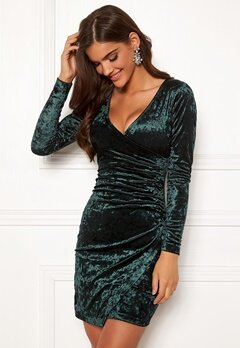 Chiara Forthi Soprano Wrap Velvet Dress Emerald green Bubbleroom.fi