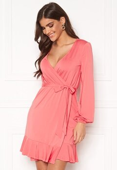 Chiara Forthi Charlie puff sleeve flounce dress Coral pink Bubbleroom.fi