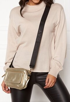 DAY ET Day Patent CPH Bag 07029 Cream Gold Bubbleroom.fi