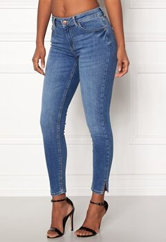 Pieces Delly Crop Slit Jeans Medium Blue Denim Bubbleroom.fi