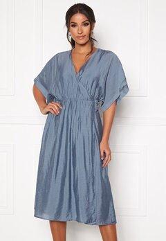 DRY LAKE Vanessa Dress 461 Blue Dove Bubbleroom.fi