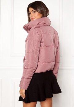 Jacqueline de Yong Erica Short Padded Jacket Nostalgia Rose Bubbleroom.fi