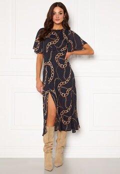 Girl In Mind Britney Angel Sleeve Split Leg Midi Dress Navy chain print Bubbleroom.fi