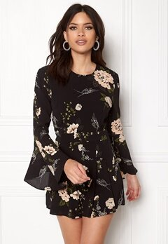 Girl In Mind Ella Floral Playsuit Black Bubbleroom.fi