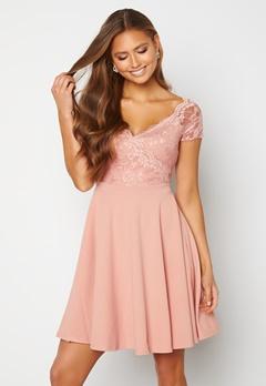 Goddiva Short Sleeve Lace Trim Skater Dress Blush Bubbleroom.fi