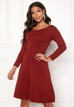 Guess Clelia Dress Russian Red Bubbleroom.fi