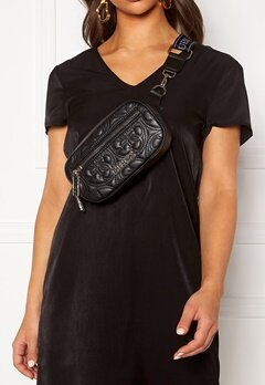 Guess Manhattan Belt Bag Black Bubbleroom.fi