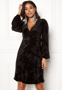 Happy Holly Abrianna velour dress Black Bubbleroom.fi