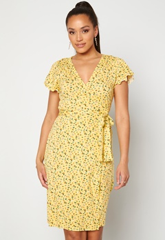 Happy Holly Amanda wrap dress Light yellow / Floral Bubbleroom.fi