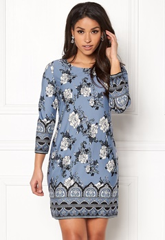 Happy Holly Blenda dress Medium blue / Patterned Bubbleroom.fi