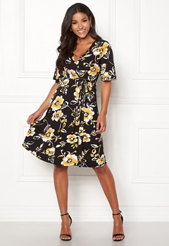 Happy Holly Diana dress Floral Bubbleroom.fi
