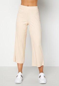 Happy Holly Emmy rib wide pants Light beige Bubbleroom.fi