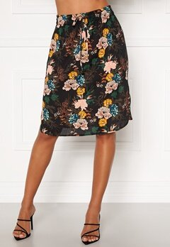 Happy Holly Lina beach skirt Black / Floral Bubbleroom.fi