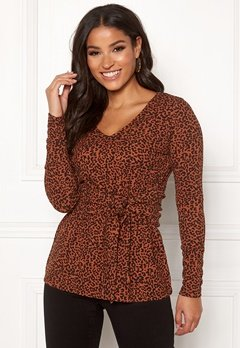 Happy Holly Lori top Leopard / Patterned Bubbleroom.fi