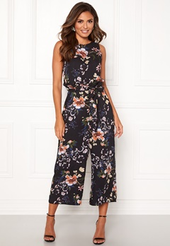 Happy Holly Mollie jumpsuit Patterned Bubbleroom.fi