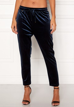 Happy Holly Pearl velour pants Dark blue Bubbleroom.fi