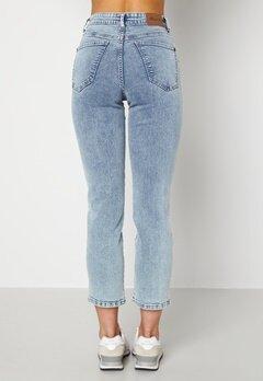 Happy Holly Peggy straight leg jeans Light denim Bubbleroom.fi