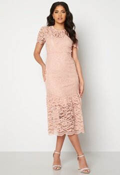 Happy Holly Taylor occasion lace dress Light pink bubbleroom.fi
