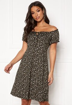 Happy Holly Tessan dress Black / Patterned Bubbleroom.fi