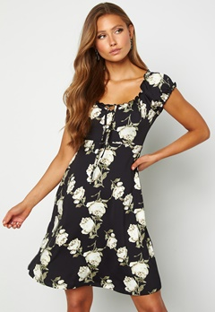 Happy Holly Tessan dress Patterned / Black Bubbleroom.fi