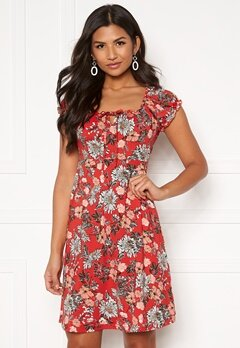 Happy Holly Tessan dress Red / Patterned Bubbleroom.fi