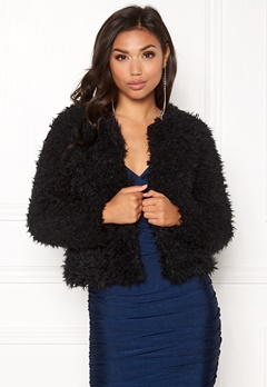 Jacqueline de Yong Elsa Fluffy Short Jacket Black Bubbleroom.fi