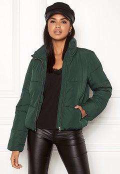 Jacqueline de Yong Erica Short Padded Jacket Ponderosa Pine Bubbleroom.fi