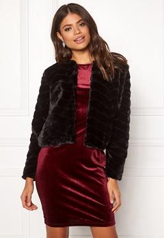 Jacqueline de Yong Evan Short Fake Fur Jacke Black Bubbleroom.fi