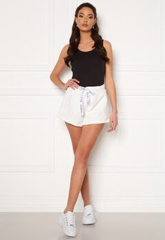 KENDALL + KYLIE K&K Active Inside Out Shorts White Bubbleroom.fi