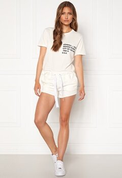 KENDALL + KYLIE K&K Active Turn Me On Shorts White Bubbleroom.fi