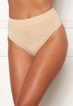 MAGIC Bodyfashion Comfort Thong Skin Bubbleroom.fi