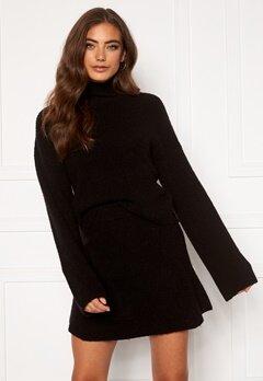 Moa Mattsson X Bubbleroom Knitted cropped sweater Black Bubbleroom.fi
